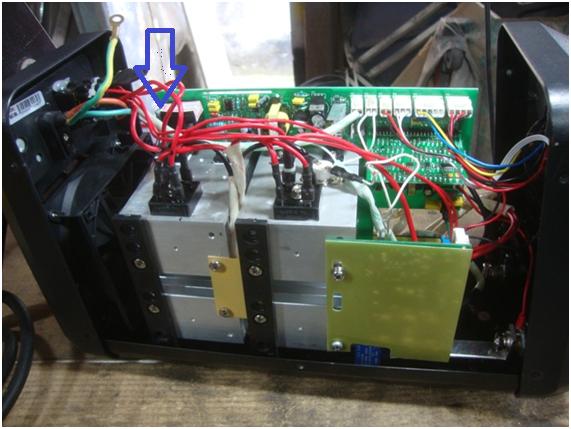 Reparo em solda inversora Inarc 200M resistor de entrada tensão. Solda10