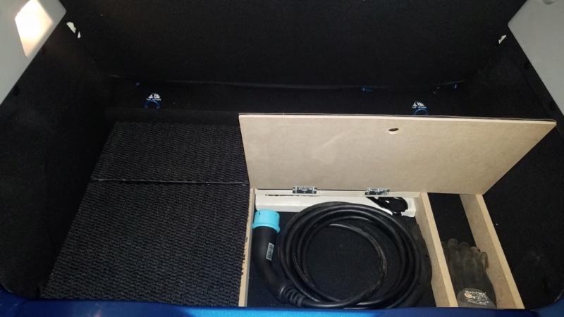 Rangement des câbles : Fabrication d'un double fond de coffre - Page 10 511