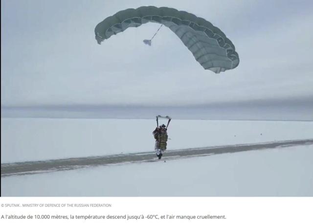 Saut d'un commando russe au-dessus de l'Arctique. 10_00011
