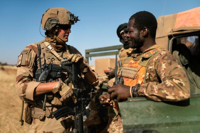 Une journée presque ordinaire au Mali…  412
