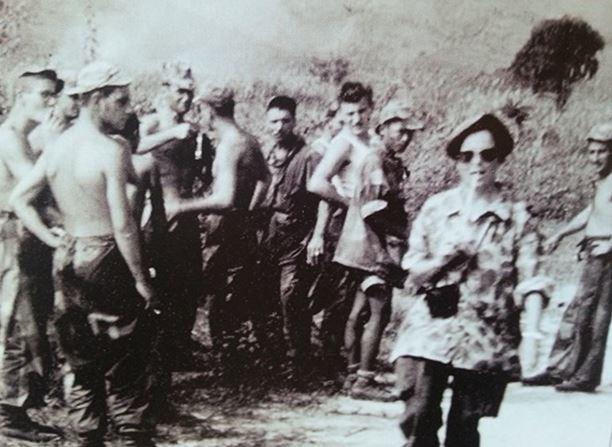 Femmes  journalistes et photographes en Indochine 610