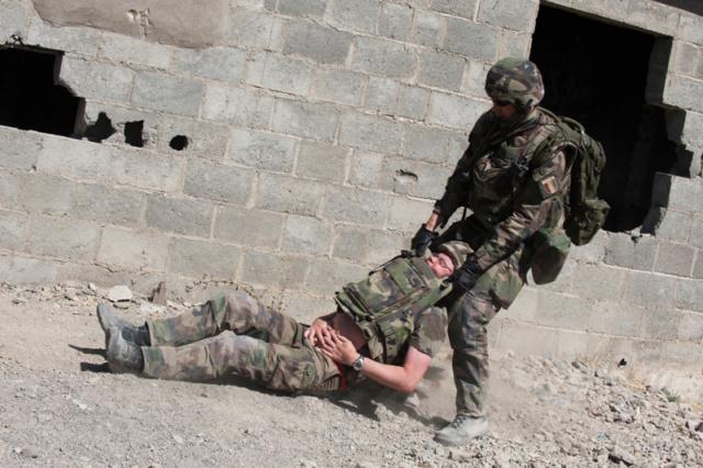 Nouvelles blessures de guerre. Soins aux blessés. Blessz10