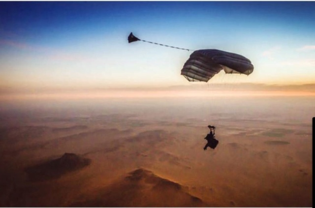 Médecine et parachutisme dans les Armées C110