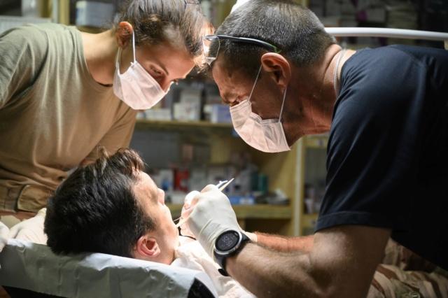 Barkhane : Soins médicaux  Dentis10