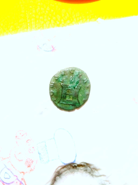 Monnaie romaine vers 3e siècle ? Img_2016