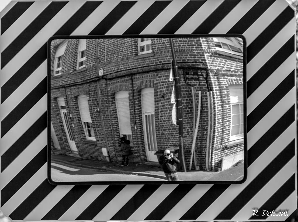 Noir et Blanc / Sépia / Désaturation partielle / Traitements divers - Page 18 2021-011
