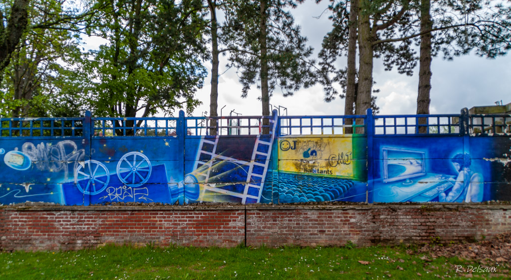 Peintures / Fresques / Tags & art de rue - Page 6 Imgp9011