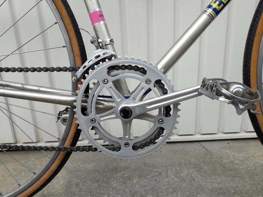 Comment identifier un modèle de vélo Eddy Merckx - Page 2 20200436