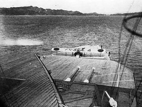 Porte-avions japonais - Page 7 Akagi_10