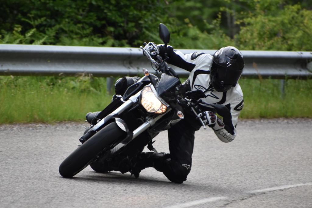 Photos de toutes les Yamaha MT-09 du forum ! :) - Page 25 Dsc_2412
