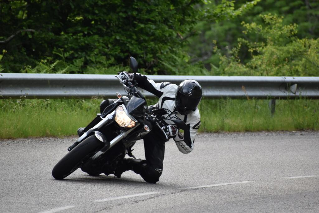 Photos de toutes les Yamaha MT-09 du forum ! :) - Page 25 Dsc_2414