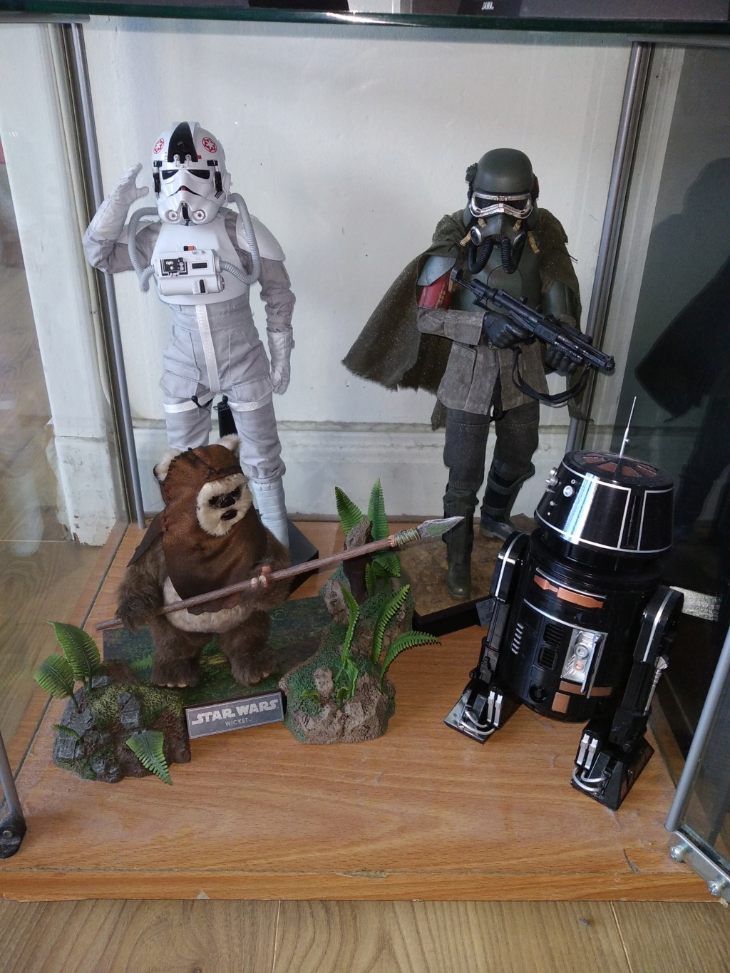 Zaku's cantina (ma collection star wars et autres ) Img_2025