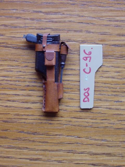 travailler le cuir (MAJ) P2050015