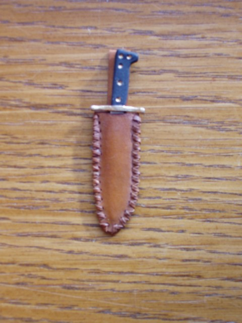 travailler le cuir (MAJ) P2050016