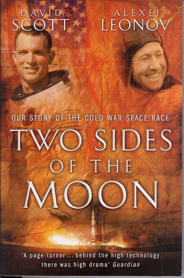 """Livres : """"Two sides of the Moon"""" 09-27-10"""