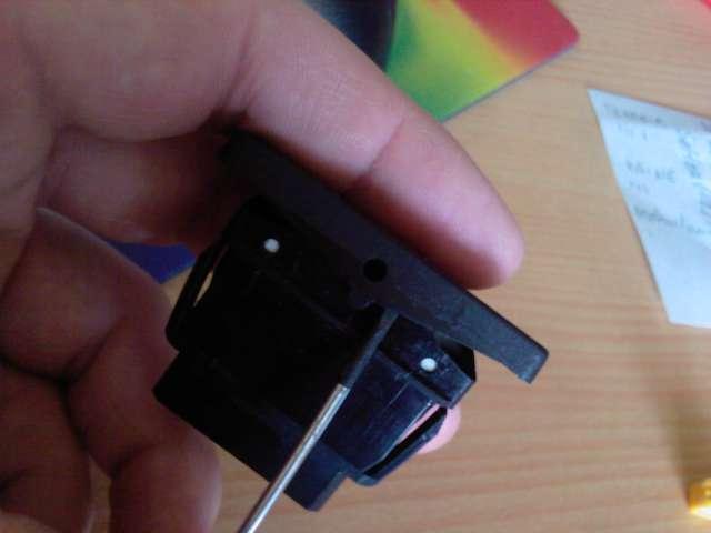 [TUTO] Changement ampoule bouton vitre electrique phase 1 Photos13