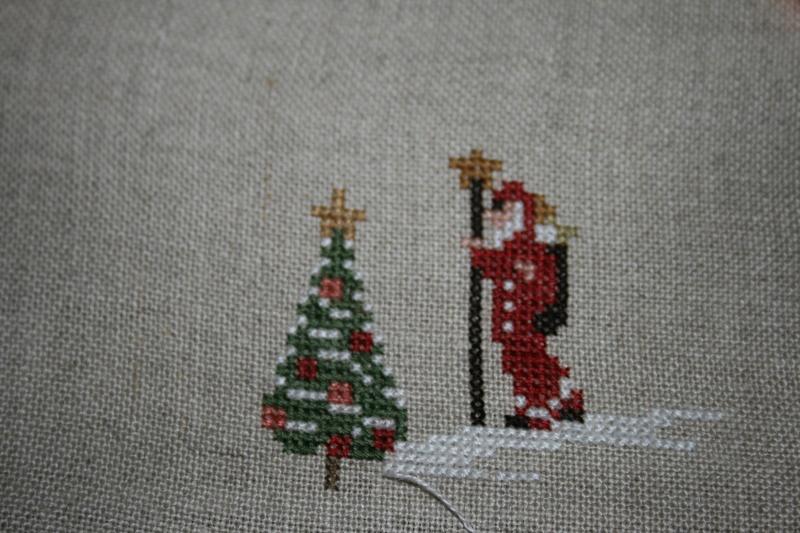 Christmas Village Sara SAL libre  - Page 2 Img_0714