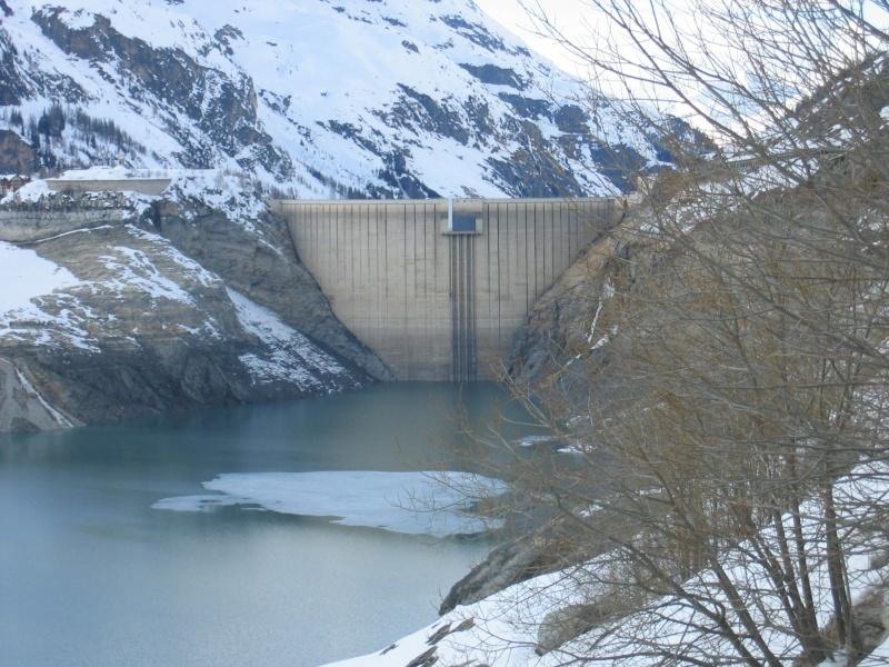 [Tignes] Vidange du barrage - Page 2 Img_3012