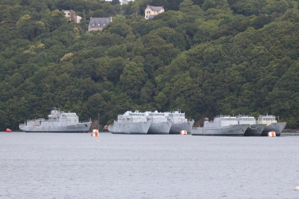 [Autre sujet Marine Nationale] Démantèlement, déconstruction des navires - TOME 2 - Page 6 Img_9222