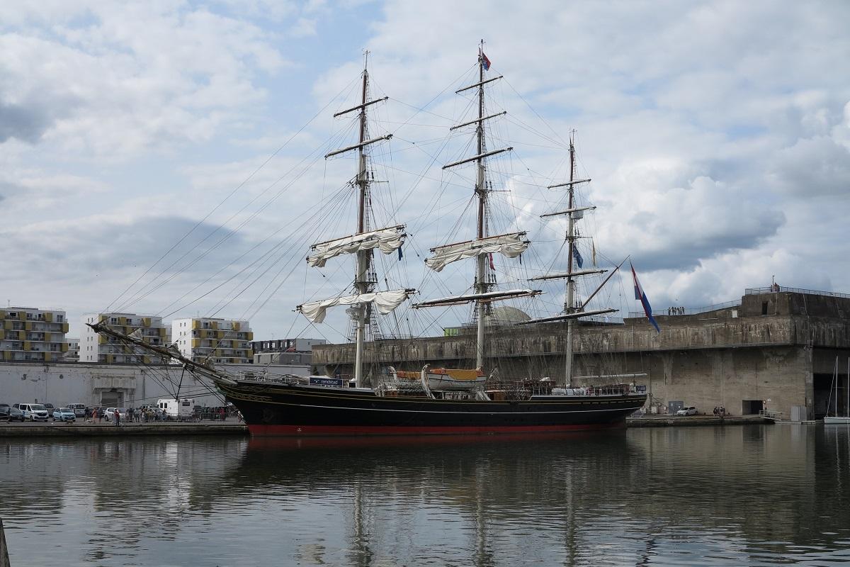 [Vie des ports] Port de Saint Nazaire - Page 6 Stad_a12