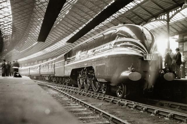 Locomotives et trains vintages Train10