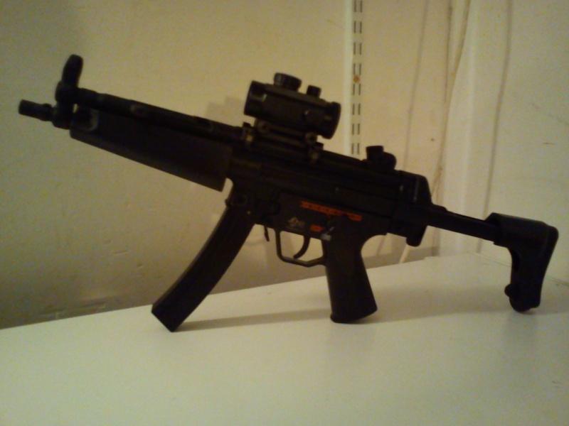 MP5-J, 4 hi cap, flashlight...315fps     150€ Dsc06511