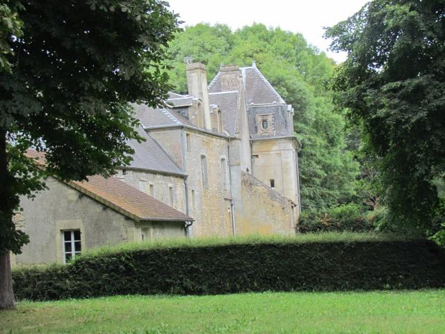 Le Château de Thaon, un petit coin de paradis Img_0082