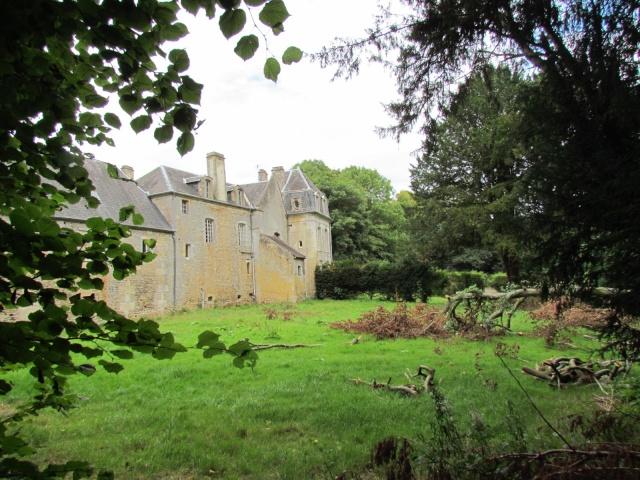 Le Château de Thaon, un petit coin de paradis Img_0083