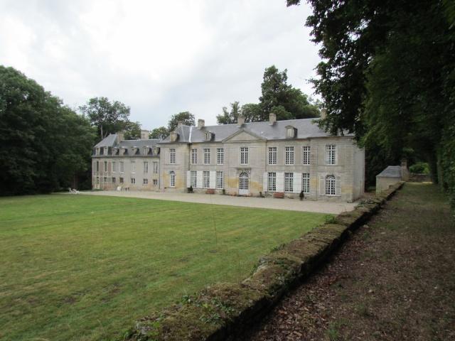 Le Château de Thaon, un petit coin de paradis Img_0104