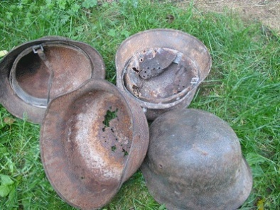 Vos casques allemands WW2... - Page 2 Fouill10