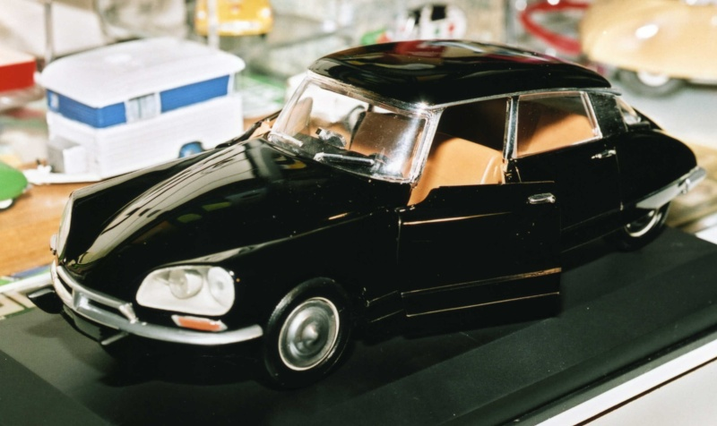 Citroën DS 1/18° SOLIDO 11_29_15