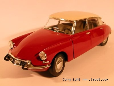 Citroën DS 1/18° SOLIDO Solido14