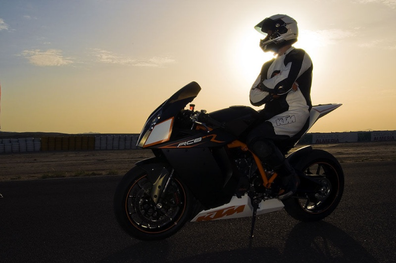 KTM RC8 - Page 2 71010