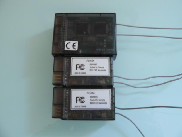 Recepteurs Futaba R6014FS et R6008HS P1320915