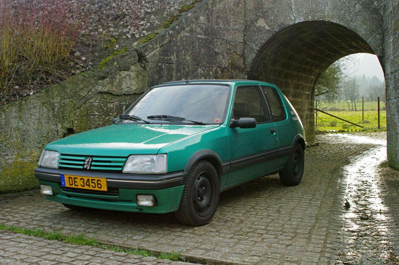 [LUX] 205 GTi Griffe - 122cv - AM91 - Vert Fluorite - N°1072/1652 Imgp7210