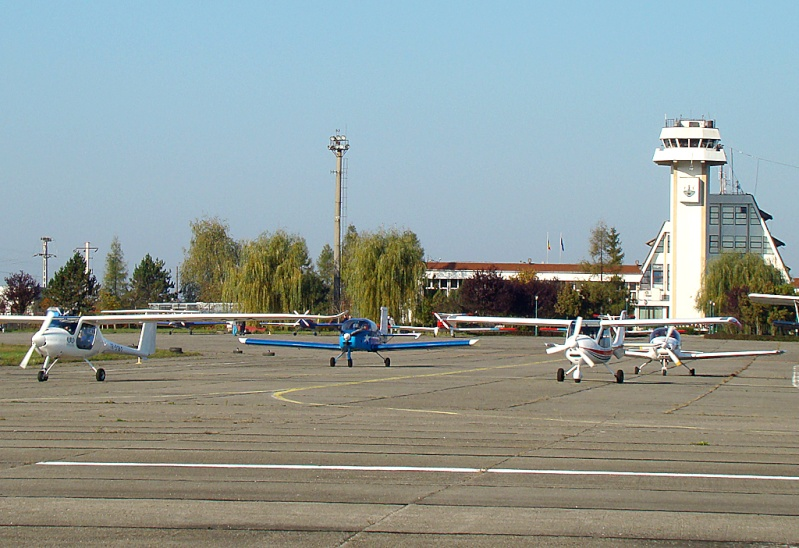 Miting aviatic Satu-Mare - 19 octombrie 2008 Dsc07111