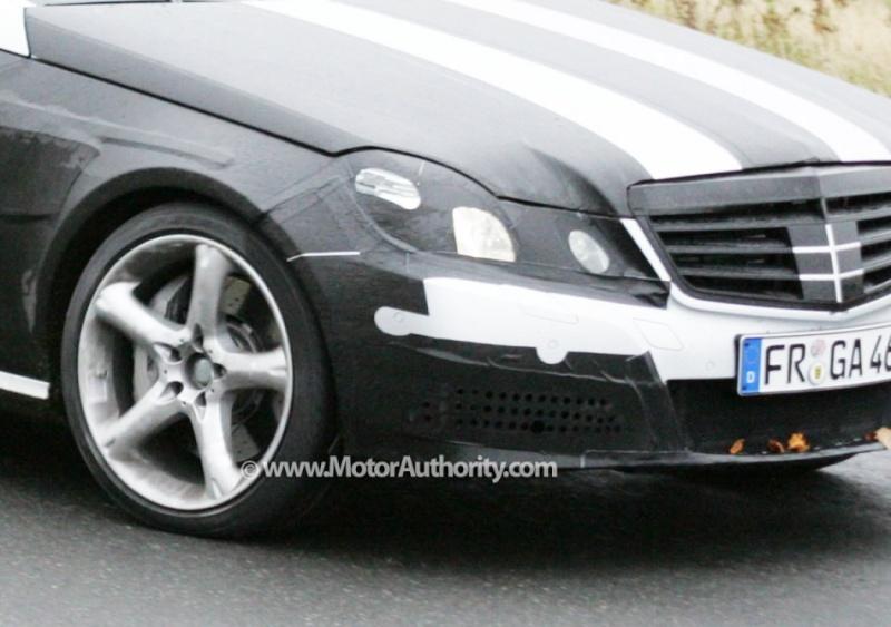 [Mercedes] E63 AMG 2010_m12