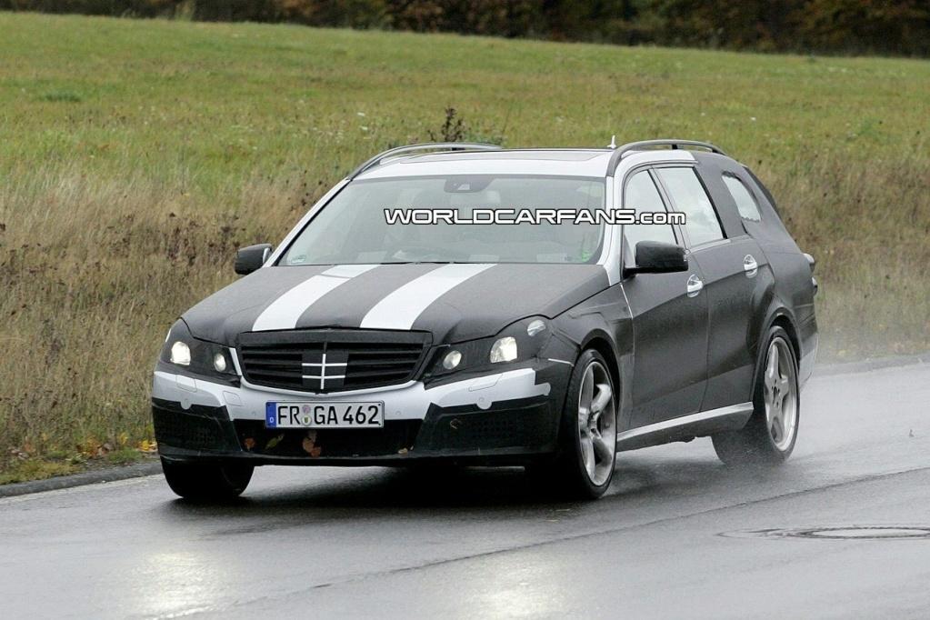 [Mercedes] E63 AMG 90810235
