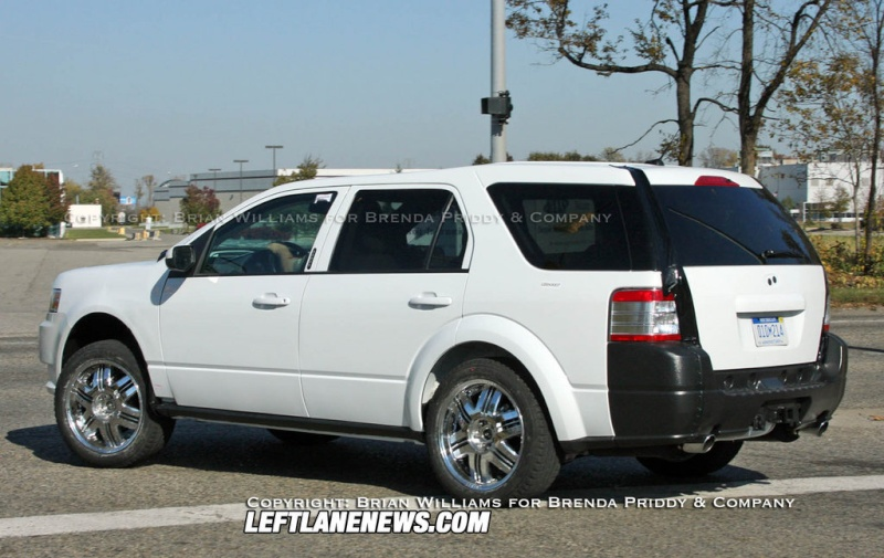 2010 - [Ford] Explorer Phpth103
