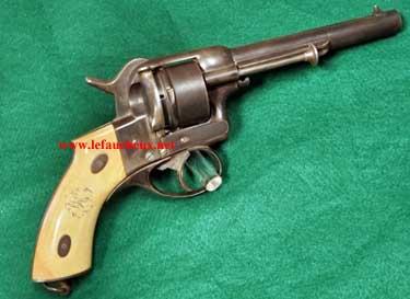 Recherche un modèle Lefaucheux 1868 à broche. 121
