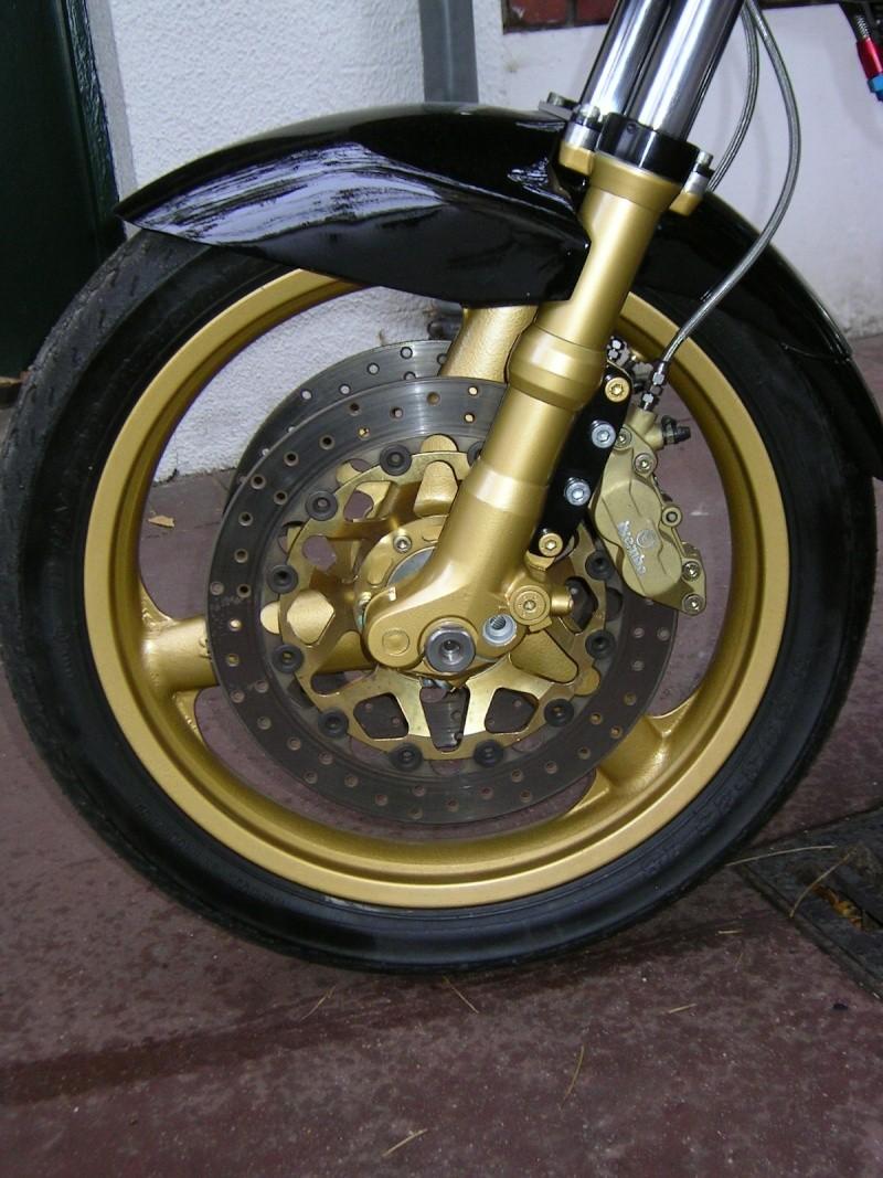 1135 spéciale KB Compet (présentée au Salon Moto Légende) 1135_m11