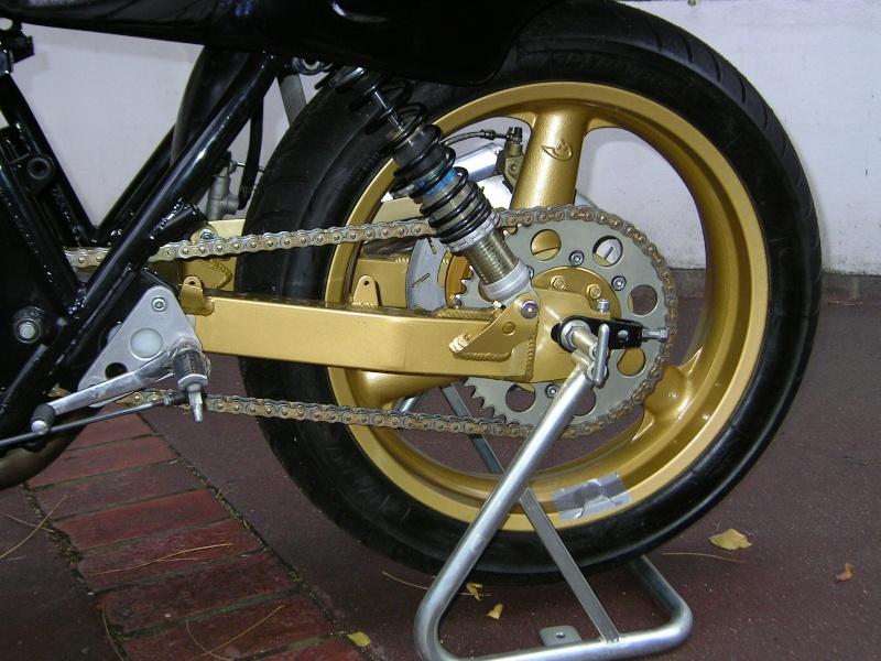 1135 spéciale KB Compet (présentée au Salon Moto Légende) 1135_m15