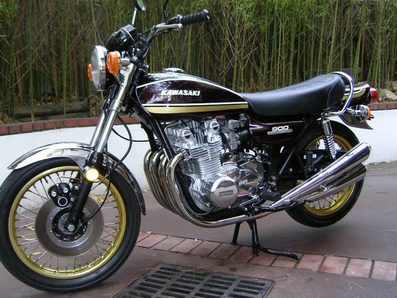Kawa 900 brun et or (présentée au Salon Moto Légende) 900_z110