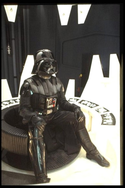 Darth vader sous toutes ses coutures - Page 2 Vadere10