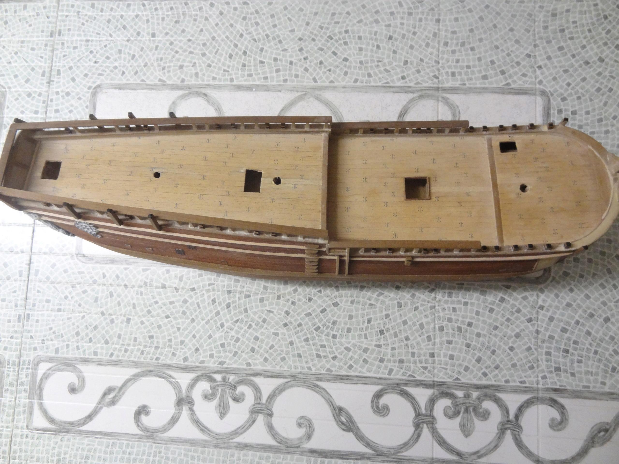 HMS Endeavour (Artesania Latina 1/60°) par yoann71 Dsc00011
