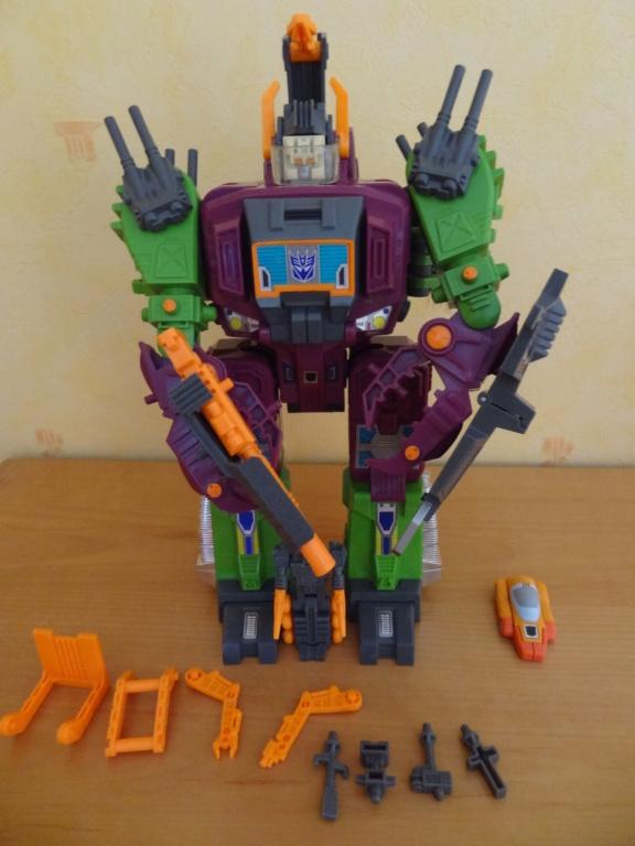 L'alliance Gobots/Transformers débarquent dans le 71 ! - Page 16 Dsc08011