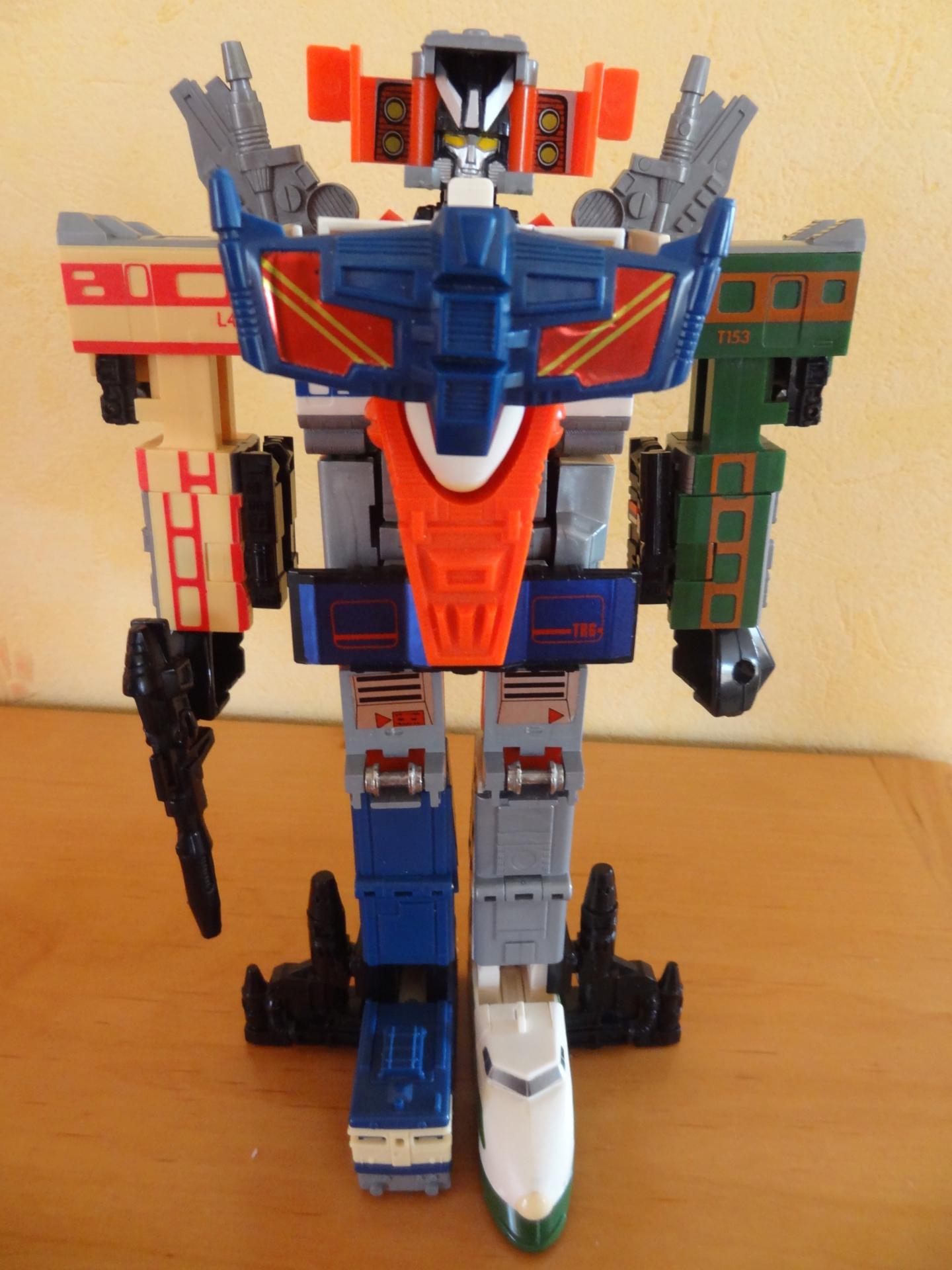 L'alliance Gobots/Transformers débarquent dans le 71 ! - Page 16 Dsc08316