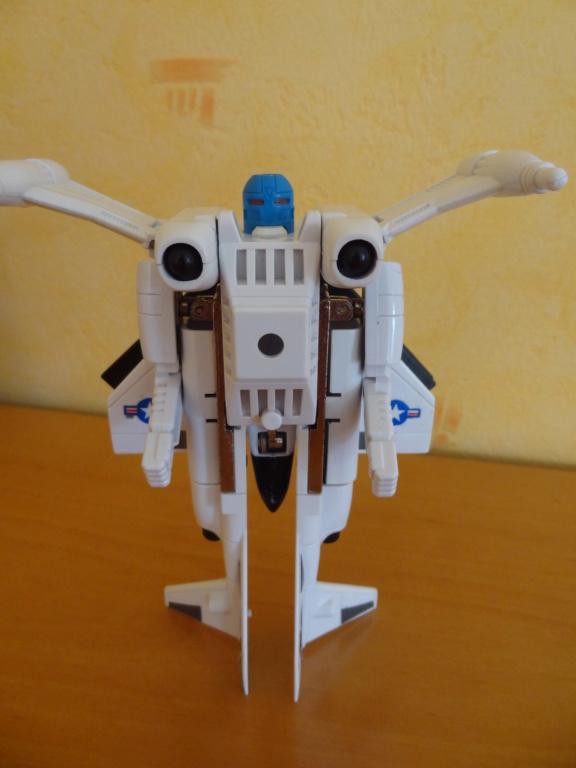 L'alliance Gobots/Transformers débarquent dans le 71 ! - Page 16 Dsc09111