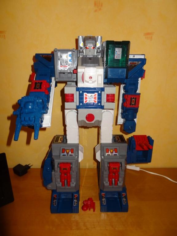 L'alliance Gobots/Transformers débarquent dans le 71 ! - Page 16 Dsc09119