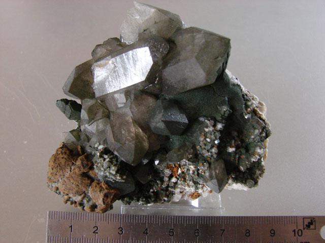 Quartz & minéraux du massif du Mont Blanc secteur Argentière 02910